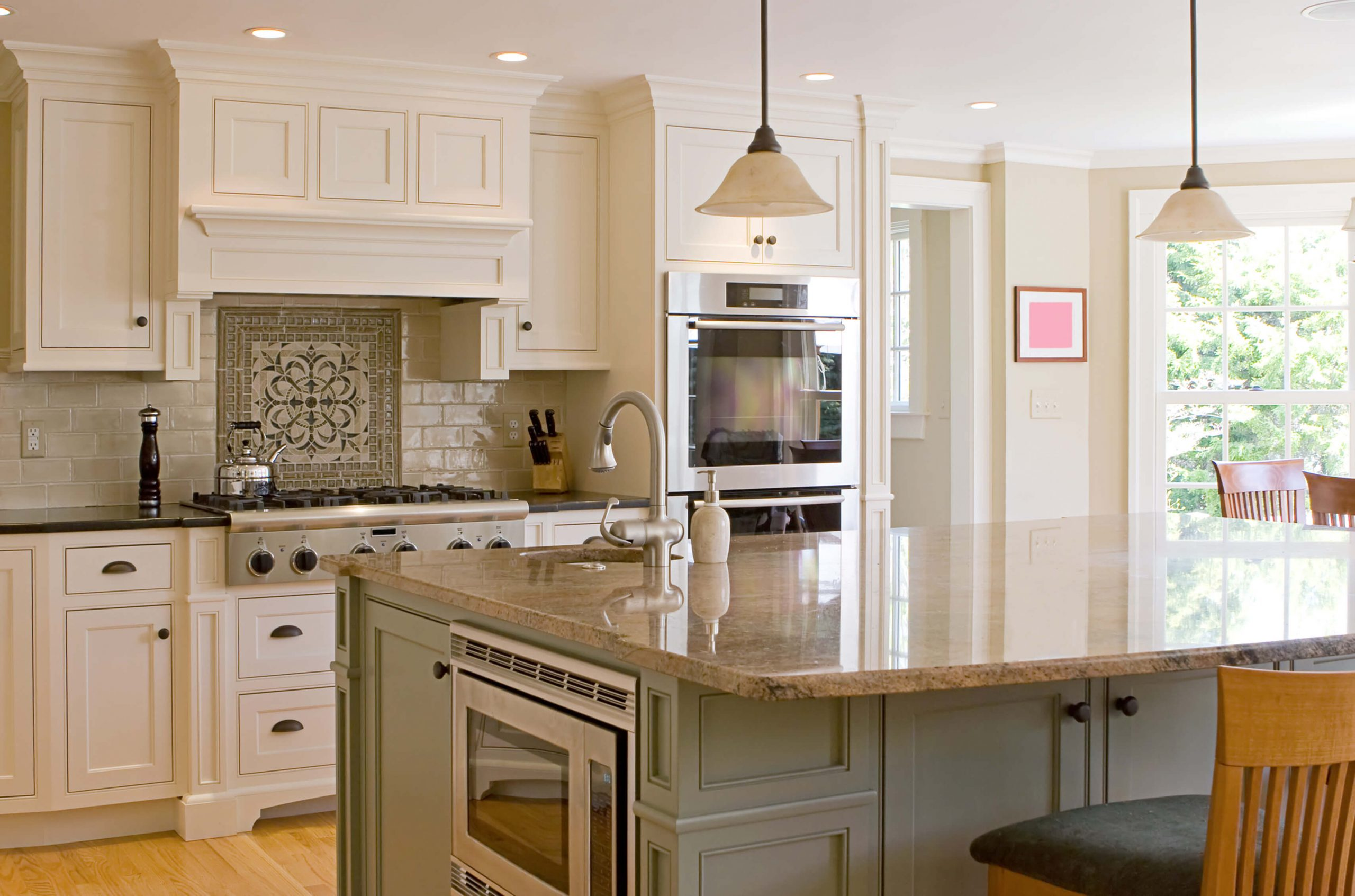 https://www.stonecabinetworks.com/wp-content/uploads/2020/08/White-kitchen-cabinets-scaled.jpg